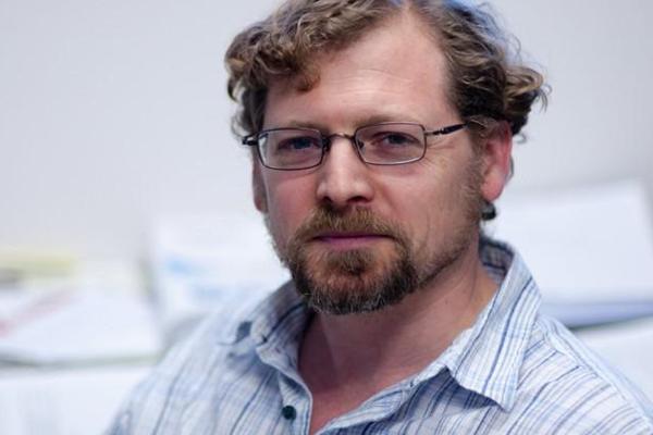 Dr. Edward Marcotte